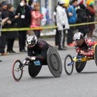 男子は、山本選手と副島選手の争いとなった。 Ⓒ東京マラソン財団