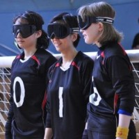 ゴールボール日本代表女子(左から)若杉遥選手、安達阿記子選手、欠端瑛子選手