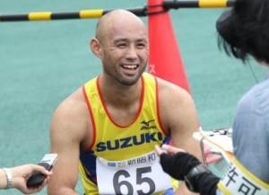競技後、インタビューを受ける山本篤選手(2014年関東選手権)
