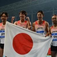4×100m(T42-47)リレーメンバー(写真左から、多川選手、佐藤選手、鈴木選手、山本選手)