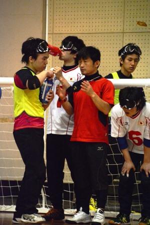 男子チーム 池田ヘッドコーチ(写真左から3人目)