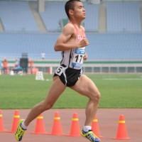 800m決勝を走る安西選手