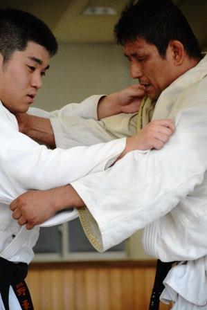 100kg級 松本義和選手(写真右)