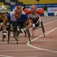 男子(T54)1500m予選3組 樋口政幸選手(写真右)