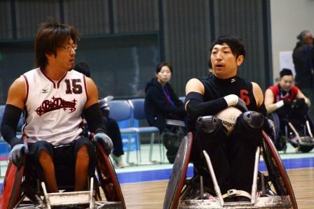 北海道BigDippersのキャプテン池崎大輔選手(左)、RIZEの官野一彦選手(右)