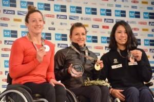 写真左から、2位のタチアナ選手、優勝のマニュエラ選手、3位の喜納選手