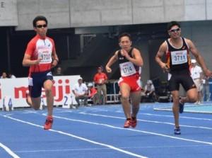 日本パラ陸上競技選手権大会(高松市)男子T37 100m 写真中央が反町公紀選手