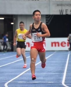 日本パラ陸上競技大会で200mを走る反町公紀選手