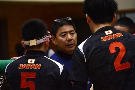 江黒ヘッドコーチ