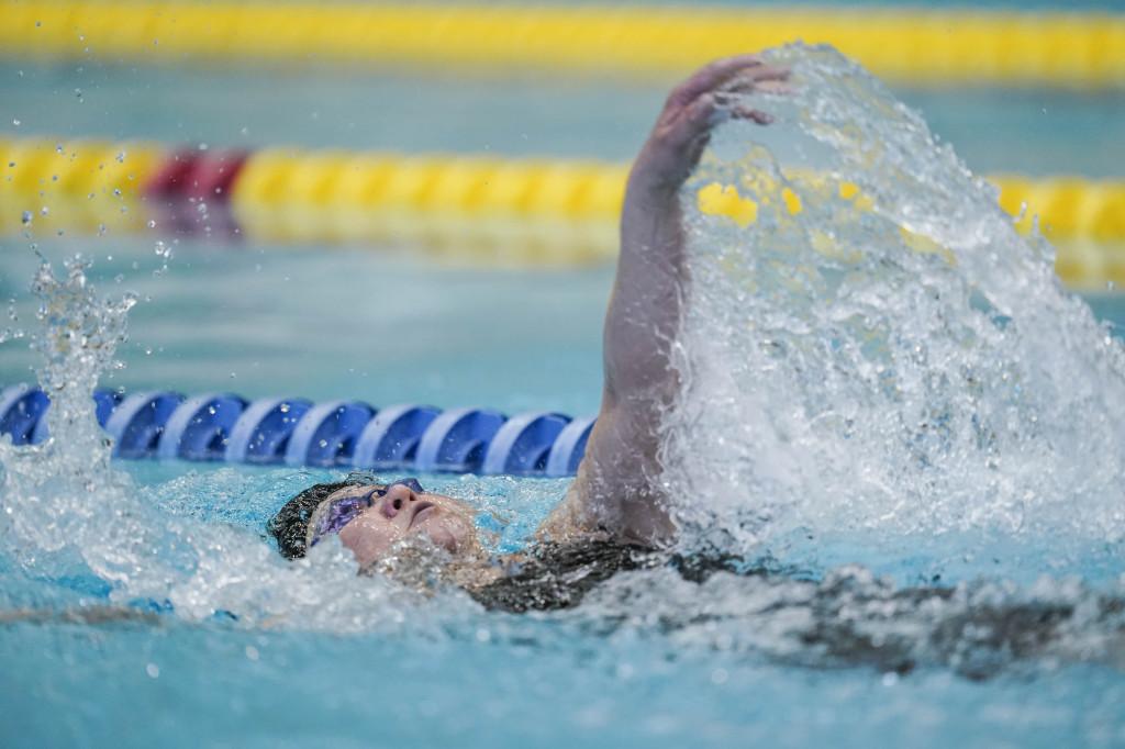 50m背泳ぎ 成田真由美選手