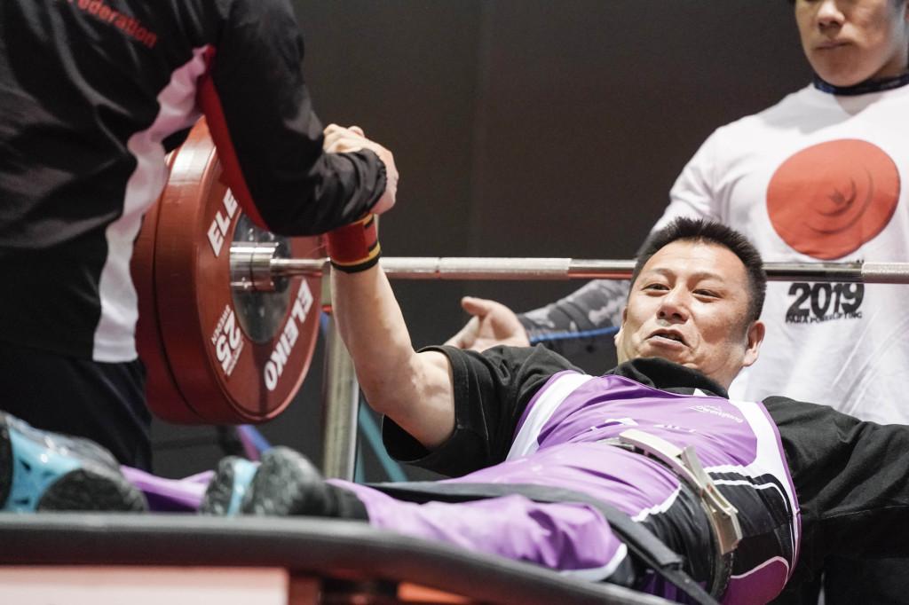 男子65kg級日本新記録を樹立した佐野義貴