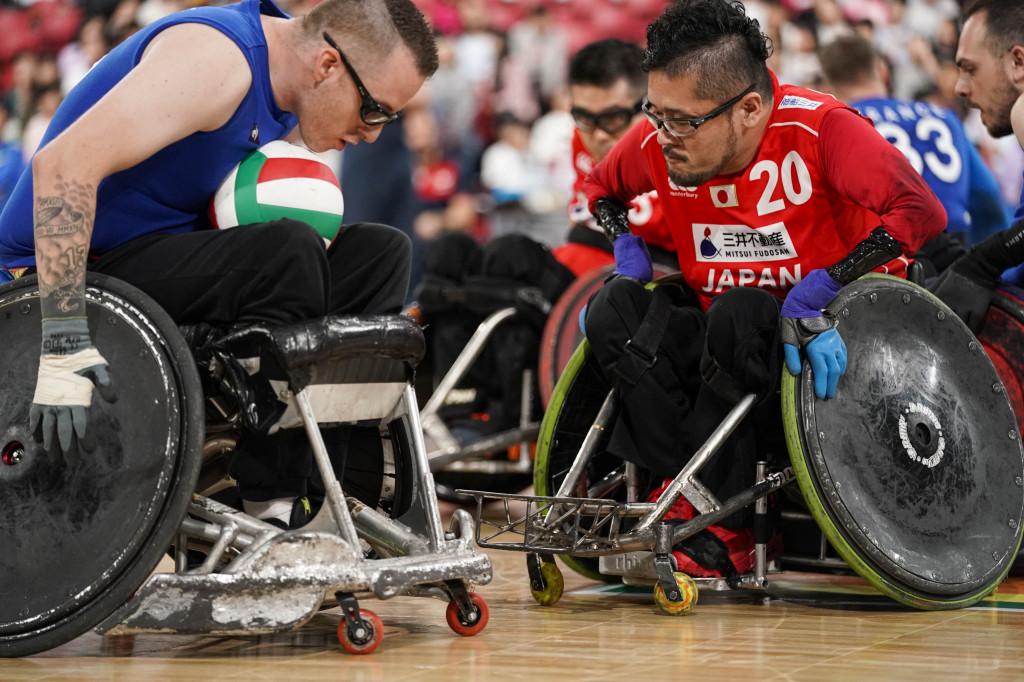 日本代表 乗松隆由選手(右)