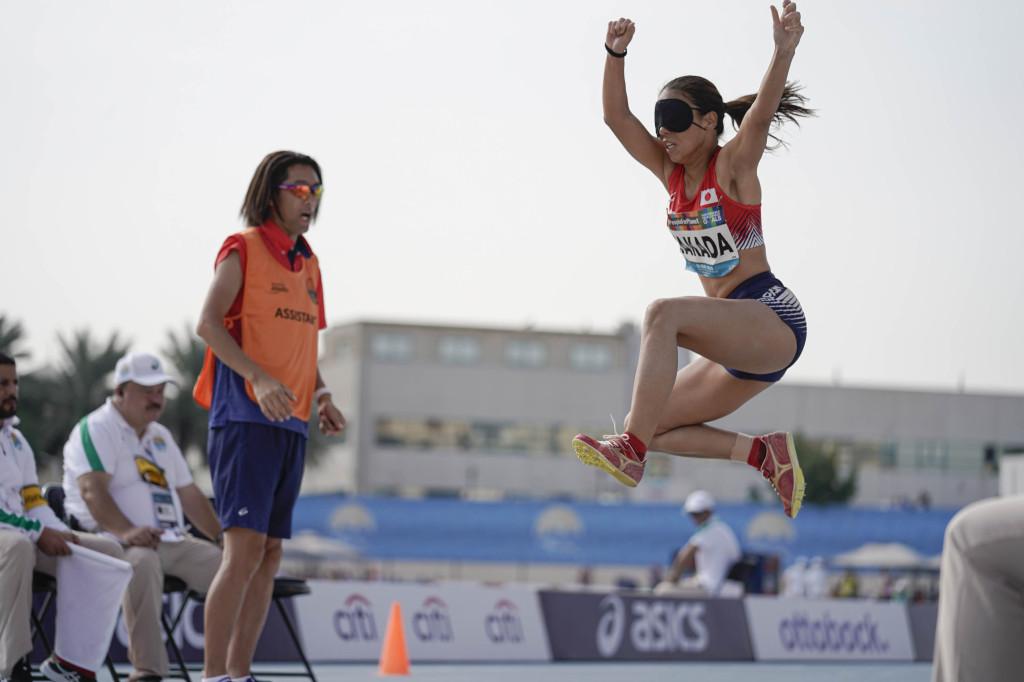 女子T11・高田の跳躍